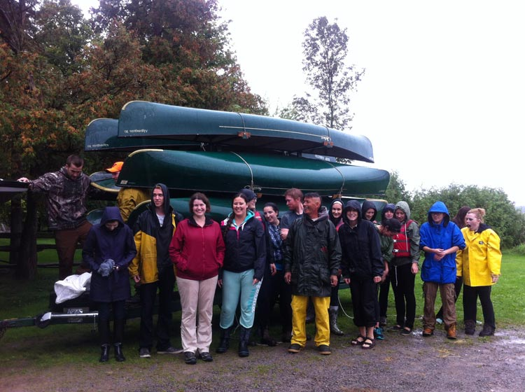 p13Trent-Students-with-Canoes